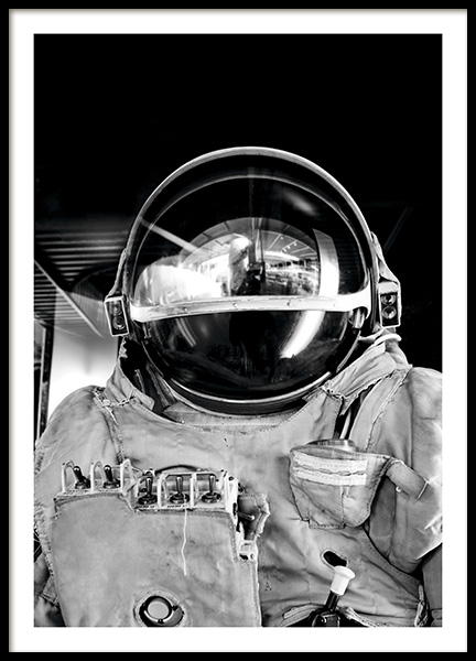 Black and White Astronaut Poster in the group Prints / Photographs at Desenio AB (11166)