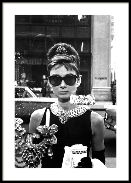 Breakfast at Tiffany's Poster in the group Prints / Black & white at Desenio AB (11973)