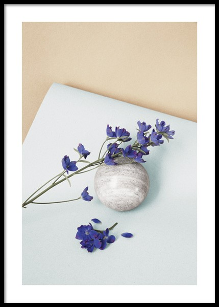 Still Purple Flower Poster in the group Prints / Botanical / Flowers at Desenio AB (14719)