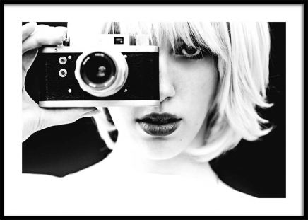 Camera Girl Poster in the group Prints / Sizes / 50x70cm | 20x28 at Desenio AB (3318)