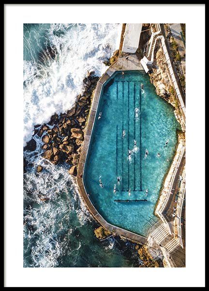 Bronte Swimming Pool Poster in the group Prints / Nature at Desenio AB (3584)