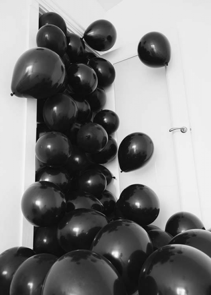 Black Balloons Poster in the group Prints / Photographs at Desenio AB (3734)