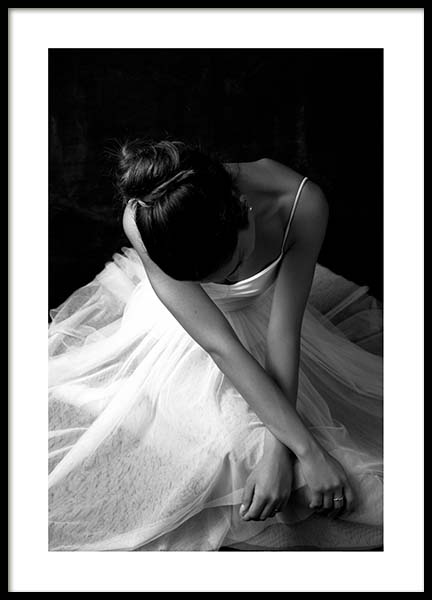 Ballerina Dancer No1 Poster in the group Prints / Black & white at Desenio AB (3805)