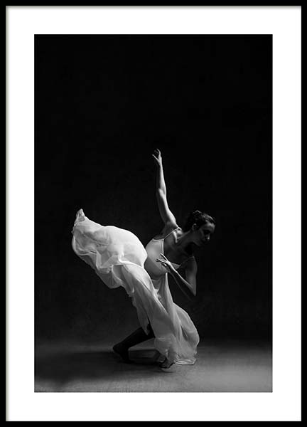 Ballerina Dancer No2 Poster in the group Prints / Black & white at Desenio AB (3806)