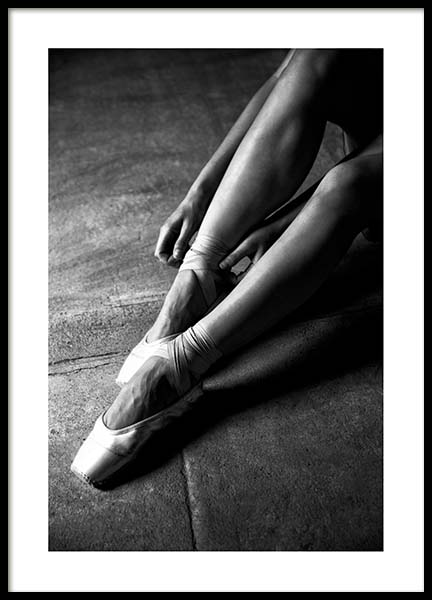 Ballerina Dancer No3 Poster in the group Prints / Black & white at Desenio AB (3807)
