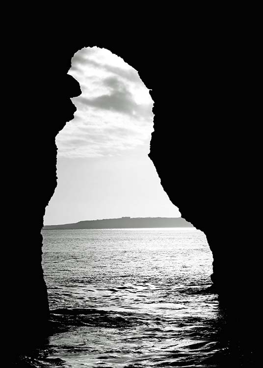 "- Beautiful black and white photo poster of the natural limestone arch ""Durdle Door"" in Southern England with a view of the sea"