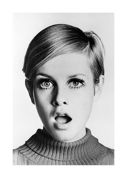 Twiggy Poster / Black & white at Desenio AB (11964)