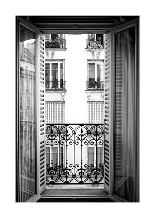 – Black and white photograph of an french balcony