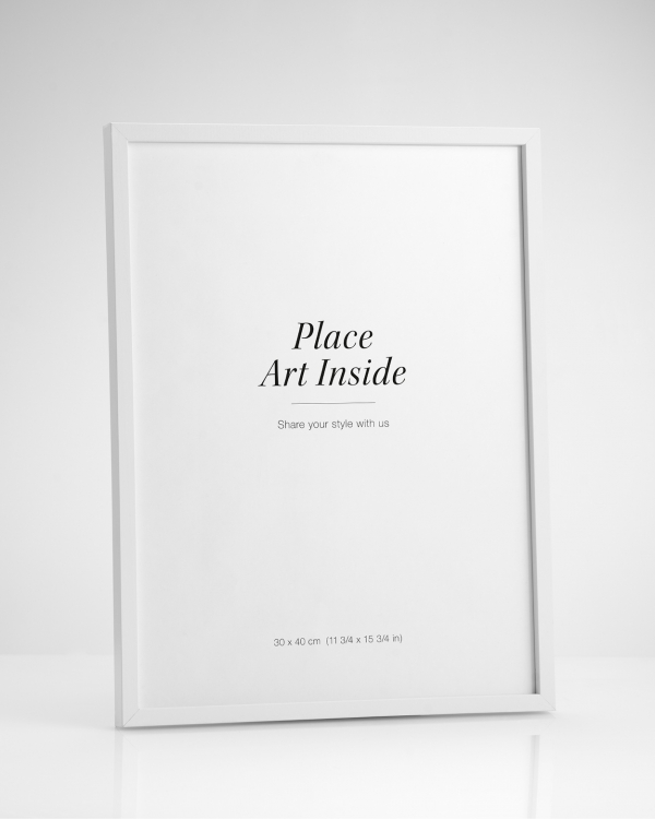 - White wood frame fitting posters in 13x18